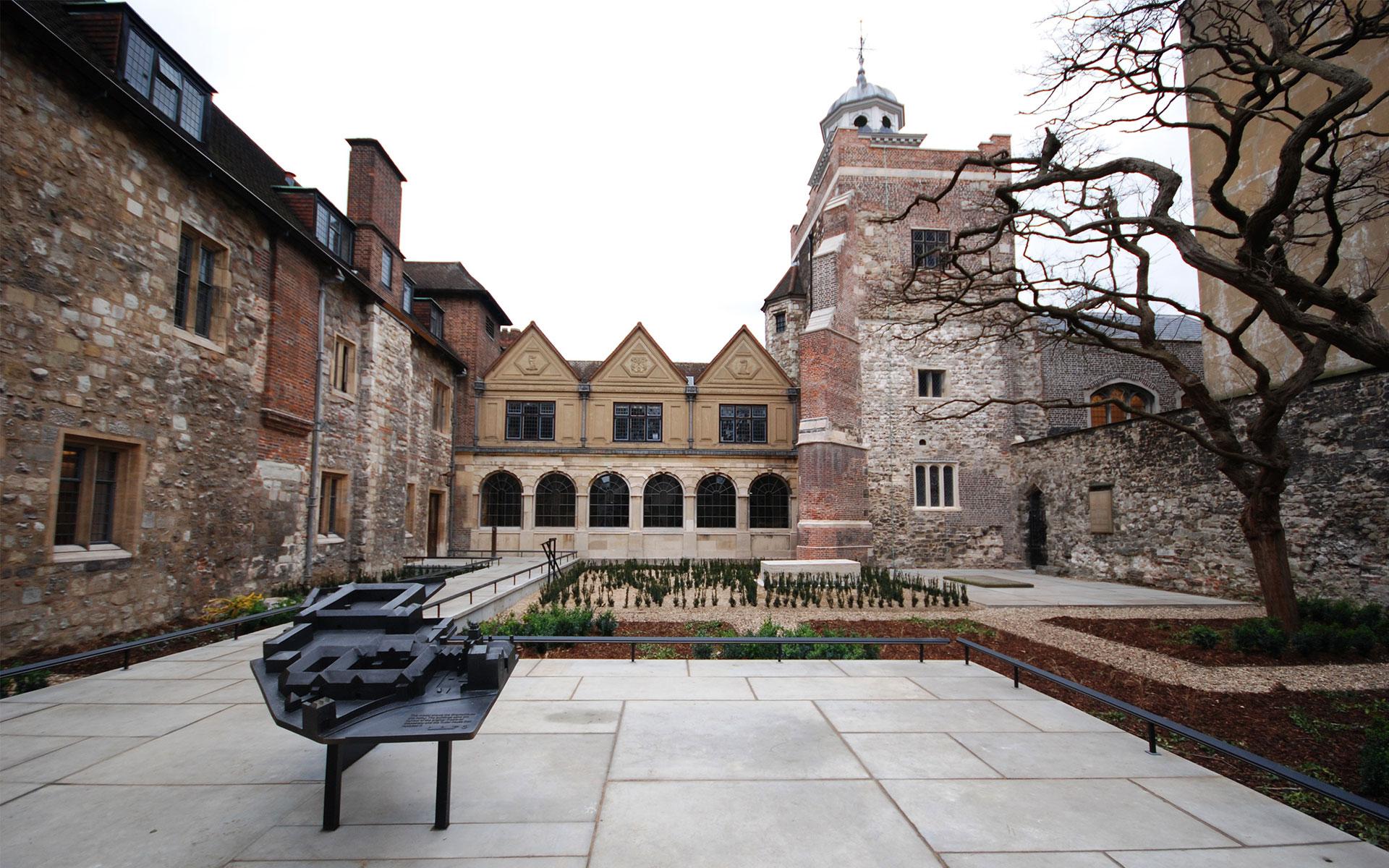 Chapel Court