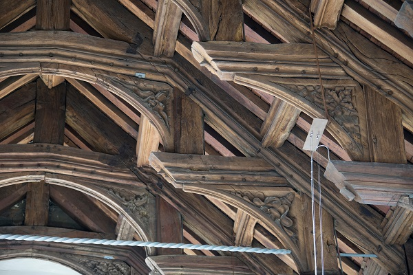 double hammer beam church roof