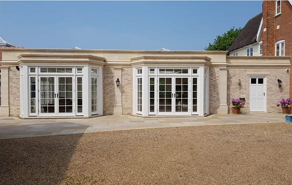 parapets, bay windows and pilasters in cadeby bed stone